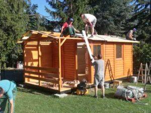 Izgradjena-tipska-drvena-montazna-brvnara-od-poluoblica-na-Avali sa cenama